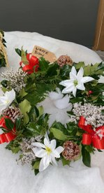 White flower wreath £15